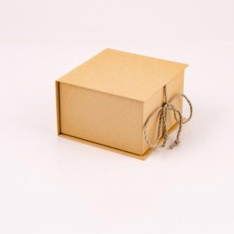 Подарочная эко коробка