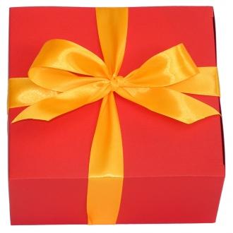 Подарочная красная коробочка из картона