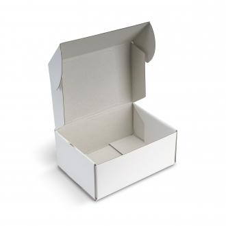Белая коробочка из гофрокартона 17x24x10 см