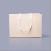Пакет бумажный 45*33*15 см бежевый Emboss, структура 18