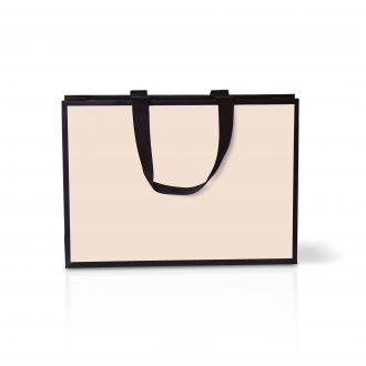 Пакет горизонтальный кремового цвета, для одежды